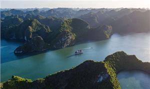 """Review Vịnh Lan Hạ - """"Ngôi sao du lịch mới nổi"""" của miền Bắc"""