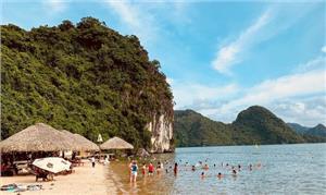 Top 7 bãi biển đẹp nhất Hạ Long bạn nên khám phá