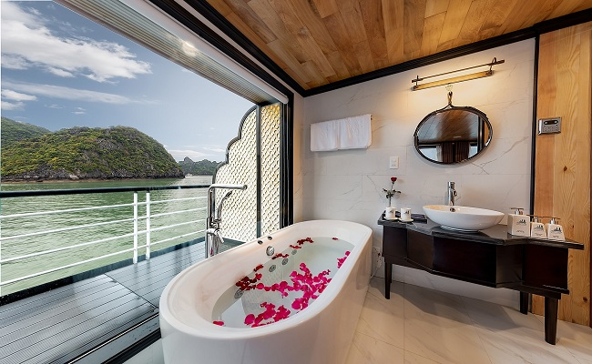 Phòng Serenity Moon Suite Tầng Thượng